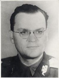Generálmajor MUDr. Josef Liškutín