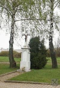 Kříž na hřbitově